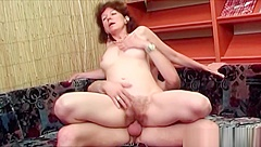 Brunette Gilf Gets A Teen Hard