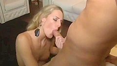 Awesome experienced lady performin in amazing amateur sex video
