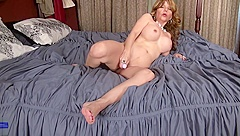 Modern mature mother with wet hungry vagina