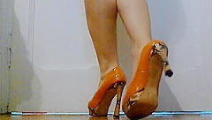 Fetish legs and feet video ;)( this video hase bad light)