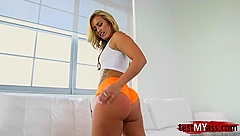 Big ass pornstar asslick with cumshot