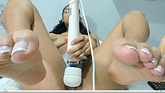 Hitachi Wand Cam girl with Nice Soles