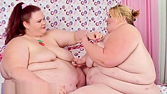 Fat Girls Nipple Pulling Competition - Which SSBBW Can Take The Nipple Pain